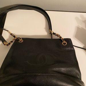 CHANEL Bags - Chanel vintage caviar tote